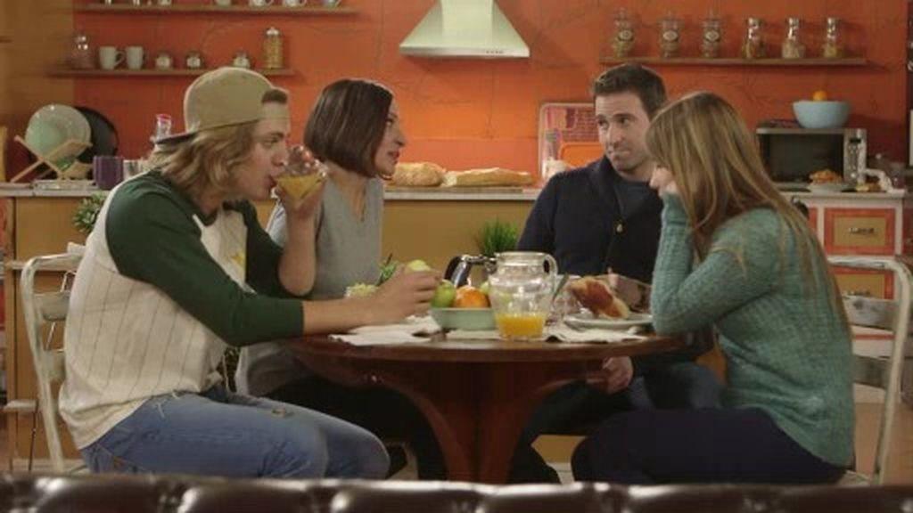 El desayuno más familiar en la casa de Lana