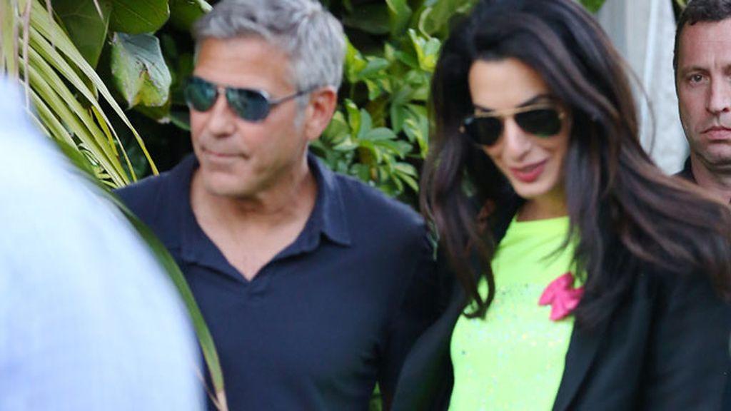 ¿Has visto el anillo de un millón de dólares que Clooney le ha regalado a su chica?