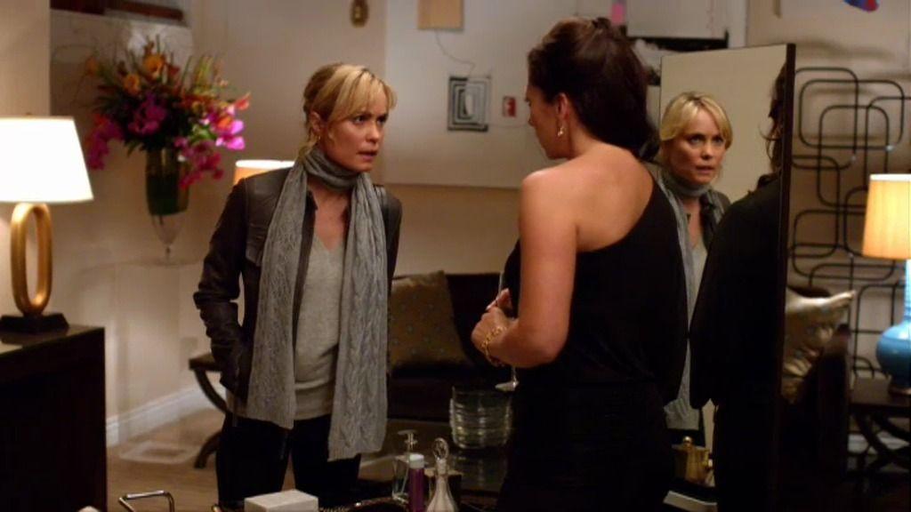 Marta intenta negociar con Alexandra para matar a Nicholae Schiller