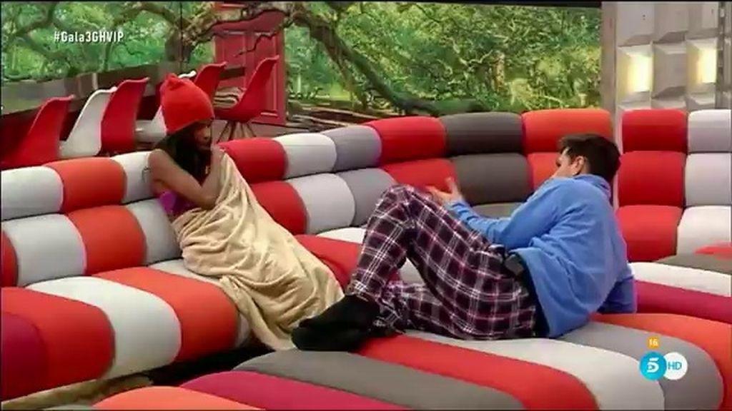 """Liz, muy molesta con Alejandro: """"Me está dejando de suelta al decir que me insinué"""""""