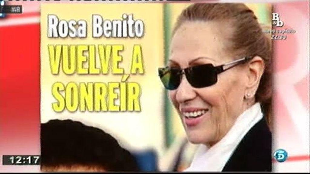 Rosa Benito reaparece muy recuperada tras su ingreso