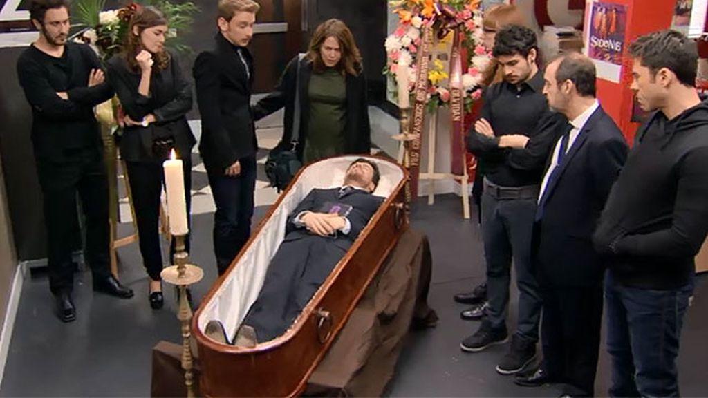 La pesadilla de Lucía: ¡Carlos ha muerto!