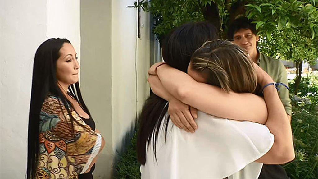 Sabina deja atrás el miedo y la rabia para reconciliarse con su familia