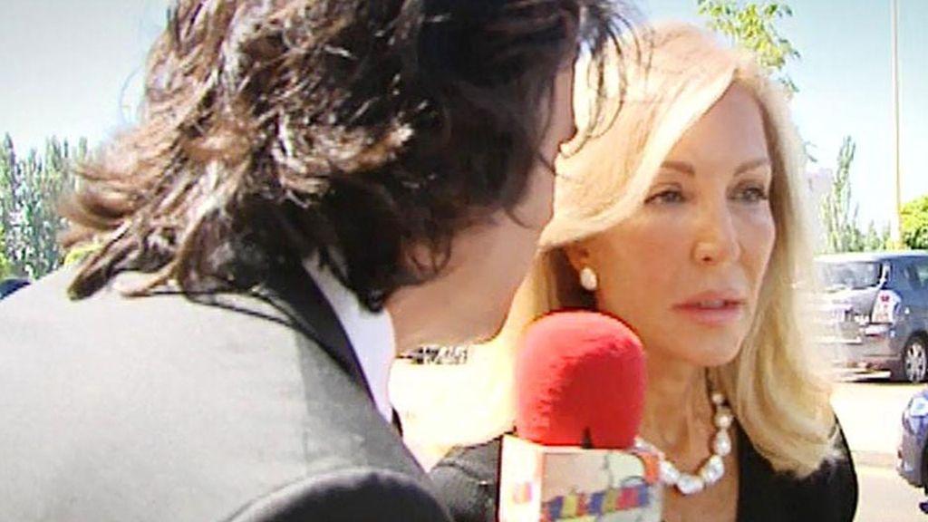 'Sálvame' asiste al último adiós de Fefa, la madre de Carmen Lomana
