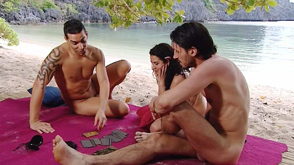"""Iñaki y Martín, dos """"machos"""" frente a las cartas del tarot"""