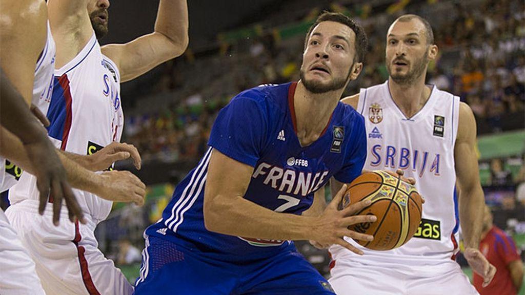 Diaw y Lavergne dan la victoria a Francia en los últimos 30 segundos ante Serbia