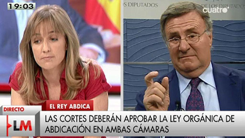 """García Tizón, a Tania Sánchez (IU): """"¿Por qué quiere proponer una reforma para cambiar la forma de gobierno?"""""""