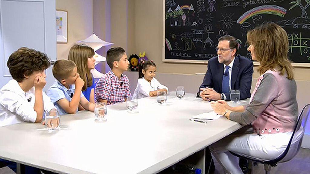 """Darío pregunta a Mariano Rajoy: """"¿Ha aprendido ya usted inglés?"""