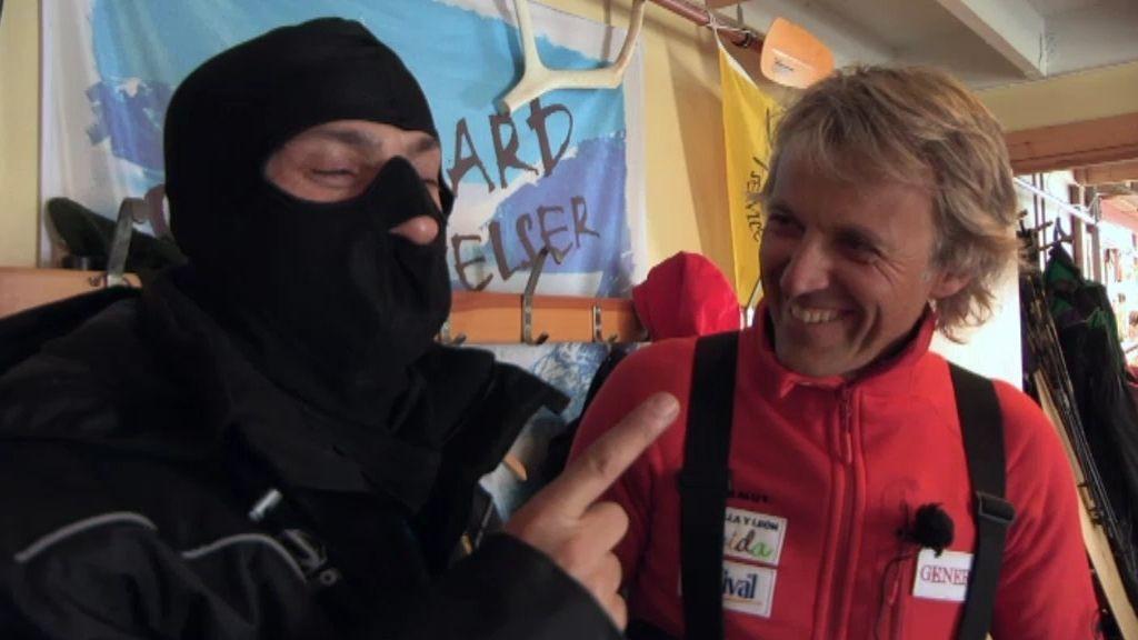 ¡José Mota no entiende las prendas para protegerse del frío polar!