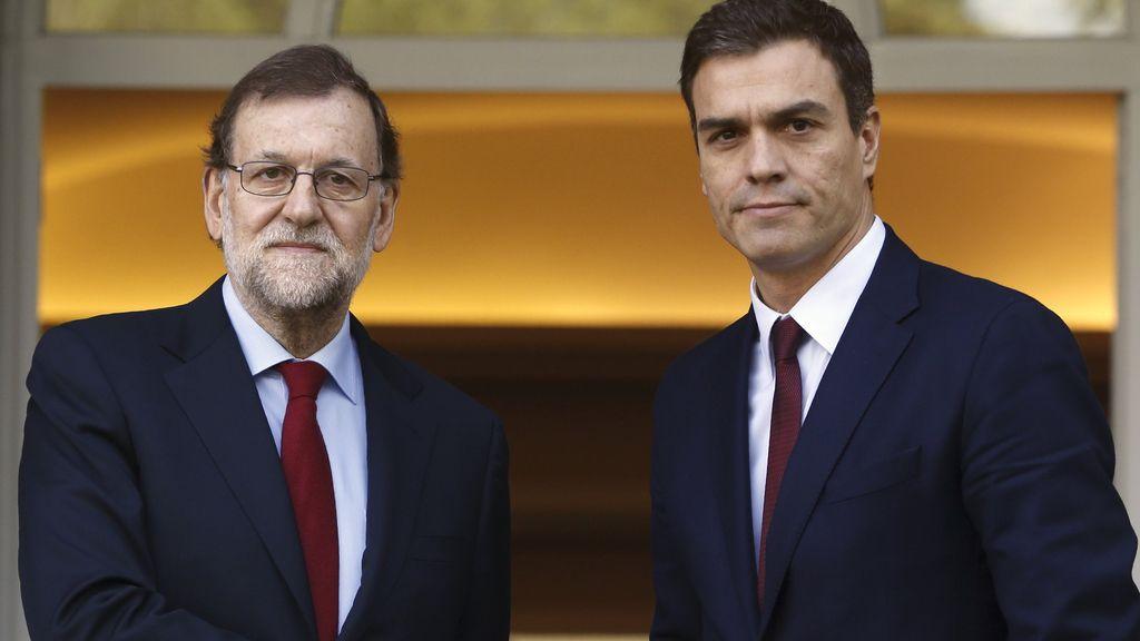 Rostros serios en la primera reunión de Sánchez y Rajoy tras el 20D