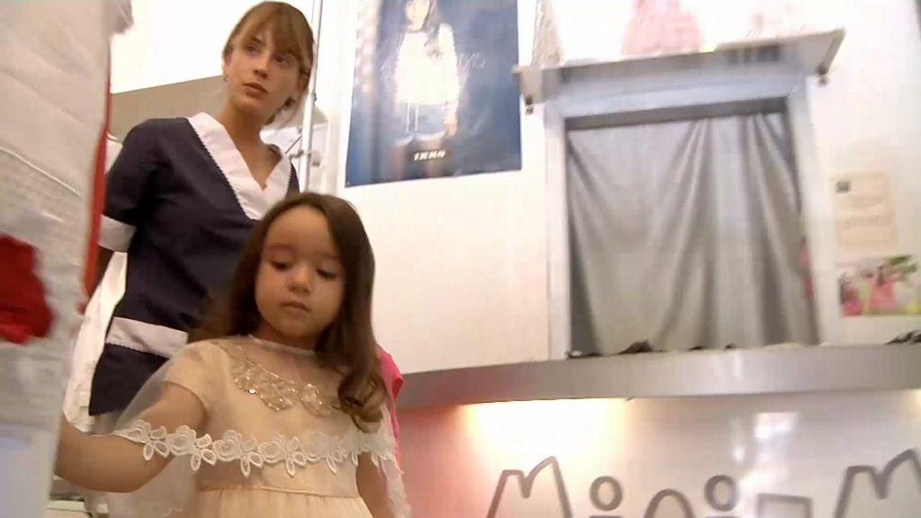 """Meritxell, testigo del """"despilfarro"""": 1.200 euros de compra en vestidos de niña"""