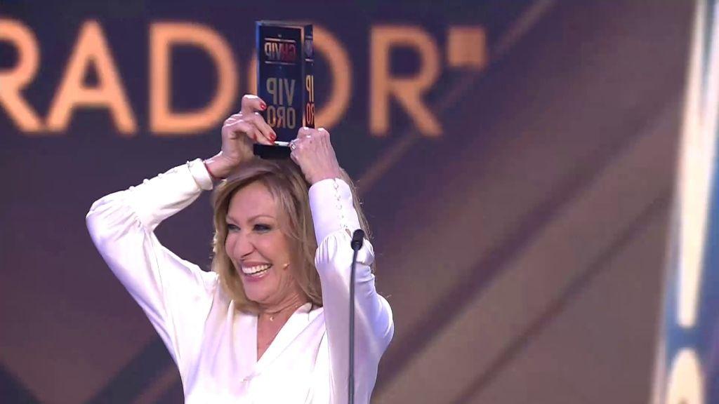 Rosa Benito, muy orgullosa de ganar el 'Premio Último Aparador'