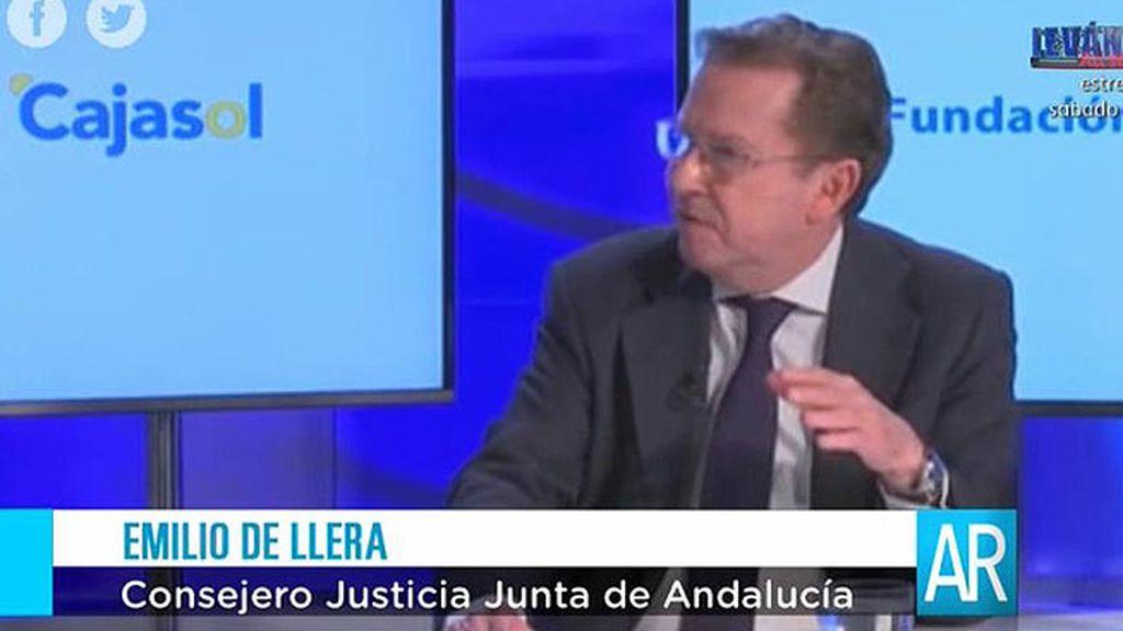 """Emilio de Llera: """"Si sube Podemos, nuestra sociedad está enferma"""""""