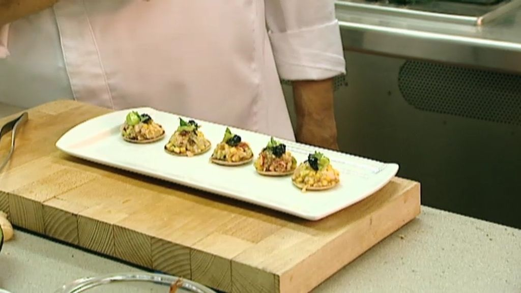 La receta de Amós: Blini de bogavante con caviar de vodka negro