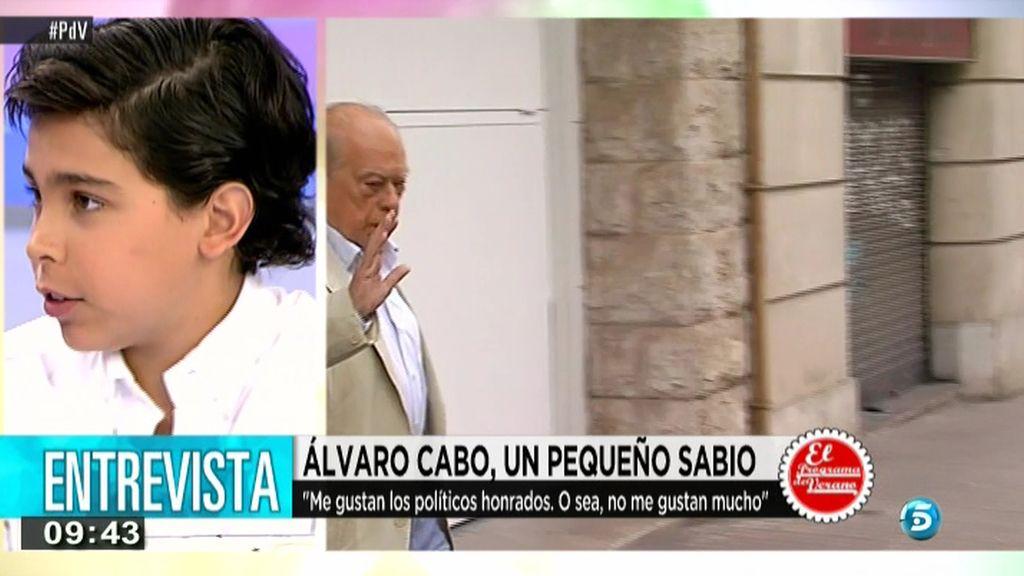 El pequeño contertulio, Álvaro Cabo, ofrece su visión sobre la actitud de Jordi Pujol