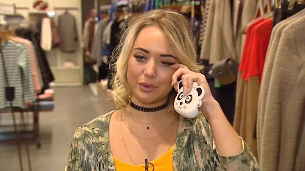 Claudia, agobiada porque no encuentra un look de boda económico para la prueba