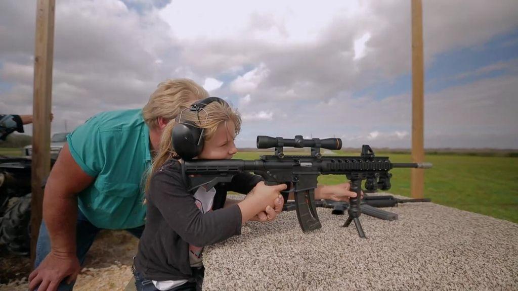"""""""¡Papa, ahora sí que siento el poder de un arma!"""""""