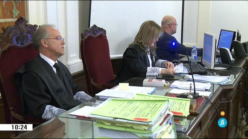 La secretaria judicial asegura que Gago participó en los seguimientos a Carrasco