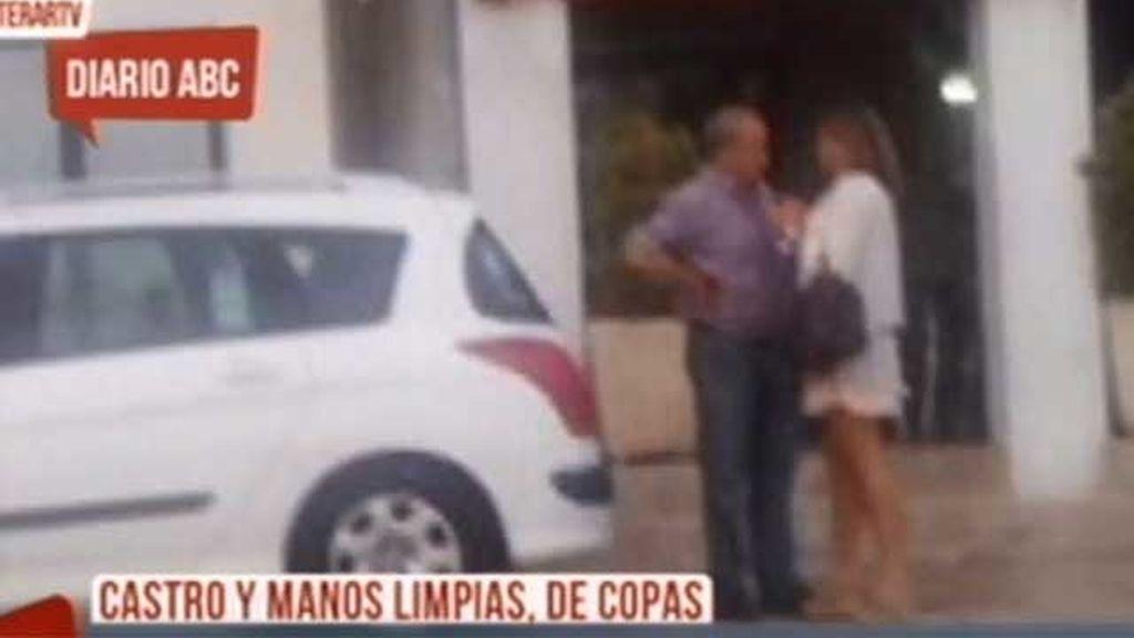 El juez Castro y la abogada de Manos Limpias, sorprendidos en una terraza
