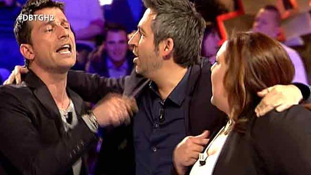 """Arturo se enzarza con Lorena: """"Nos has vendido a la gordita feliz y no me lo creo"""""""