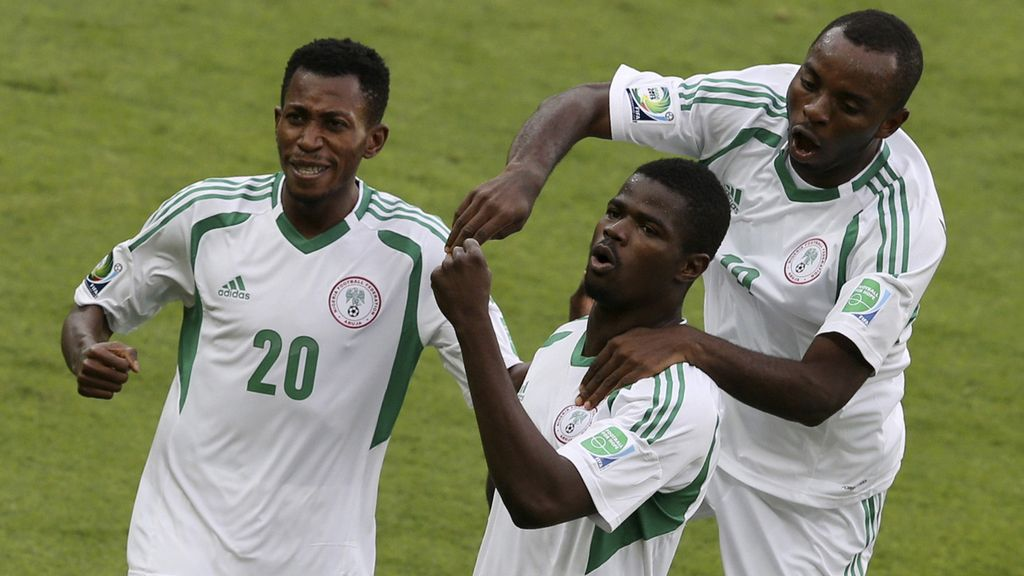 Gol: Tahití 0-1 Nigeria (min.5)