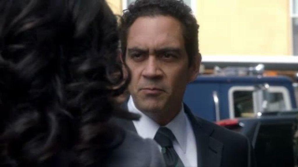 Olivia logra que el General Florez entregue a sus hijos
