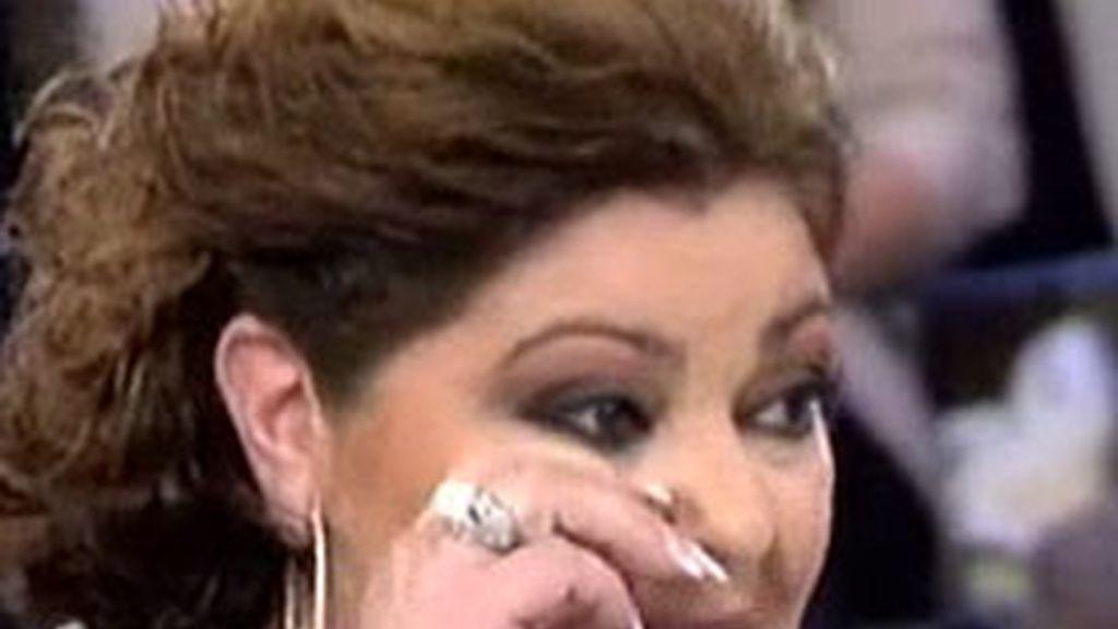 Charo Reina se emociona al escuchar a su madre