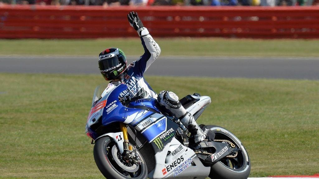 Lorenzo doblega a Márquez y se reencuentra con la victoria en Silverstone