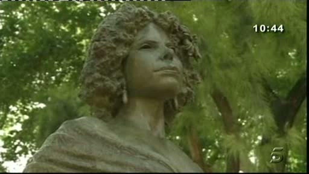 La Duquesa en bronce