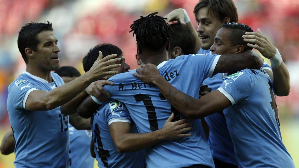 Gol: Uruguay 2-0 Tahití  (min.24)