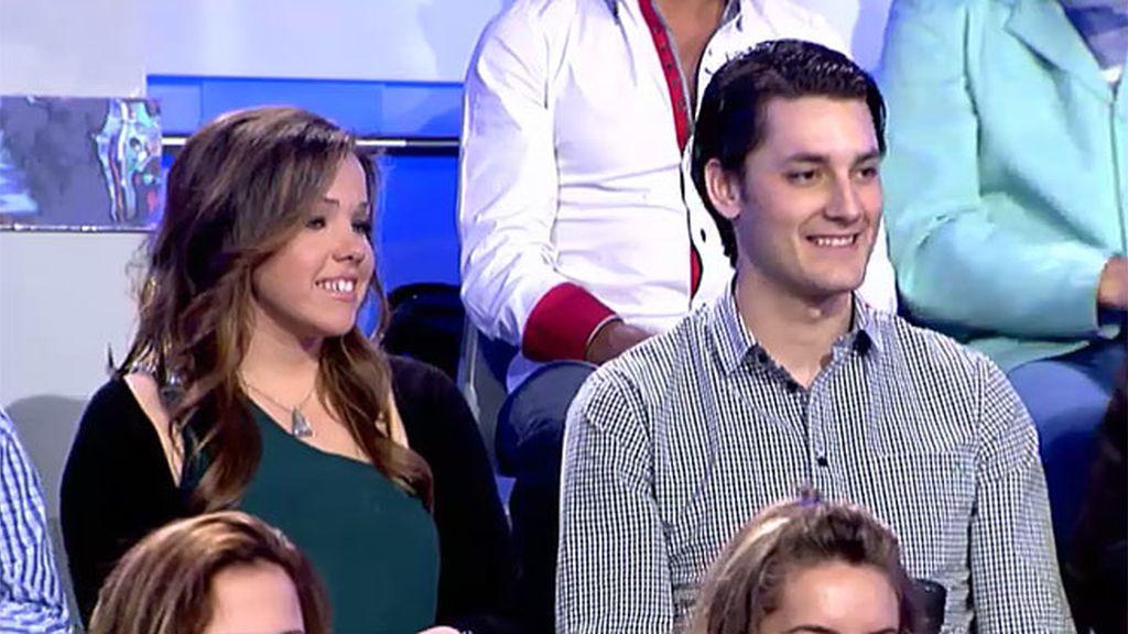 Amadeo Y Luisi Jacuzzi.El Hermano Y La Prima De Belen En Las Gradas