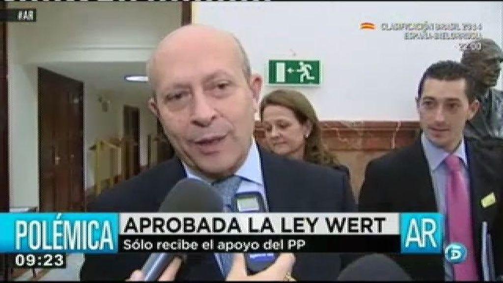 Wert saca adelante su ley con el único apoyo del PP