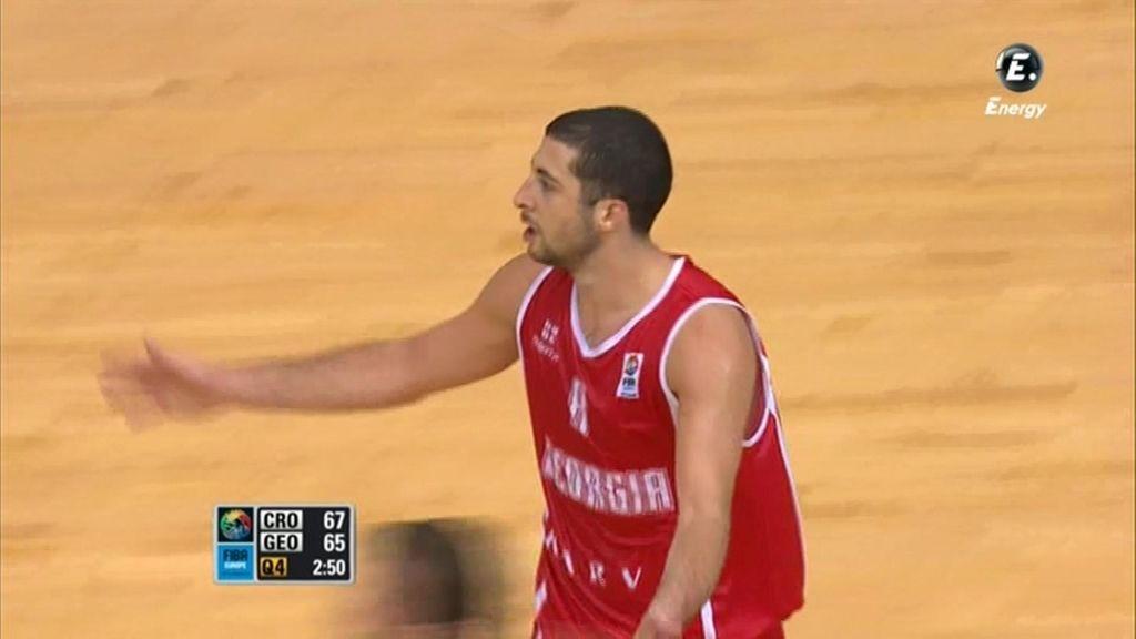 Triple de Tsintsadze al estilo NBA