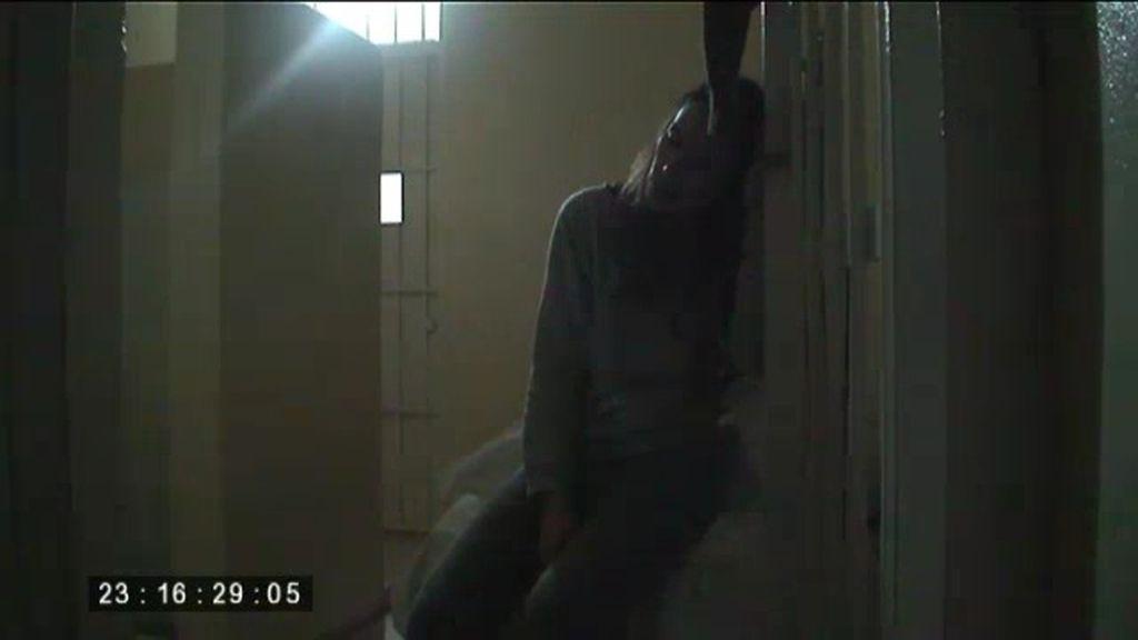 La primera noche en la cárcel se pasa aislada