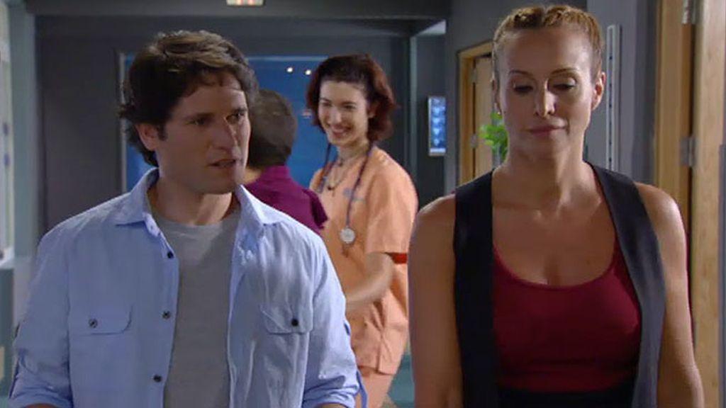 Manuela quiere a Javier en el hospital