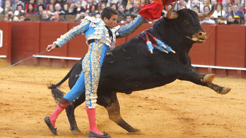 Manzanares triunfa en Sevilla
