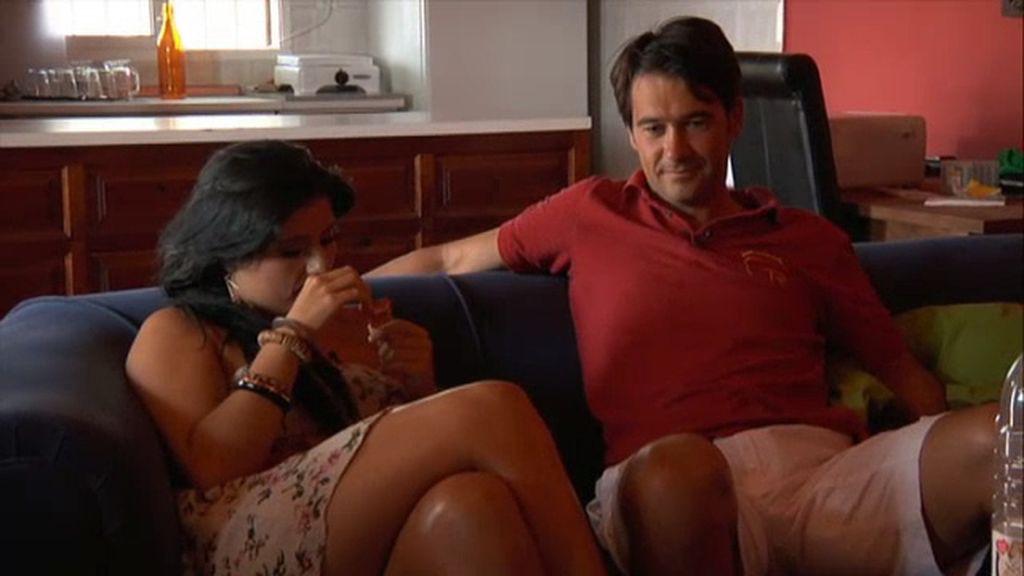 Luis se despide de sus chicas