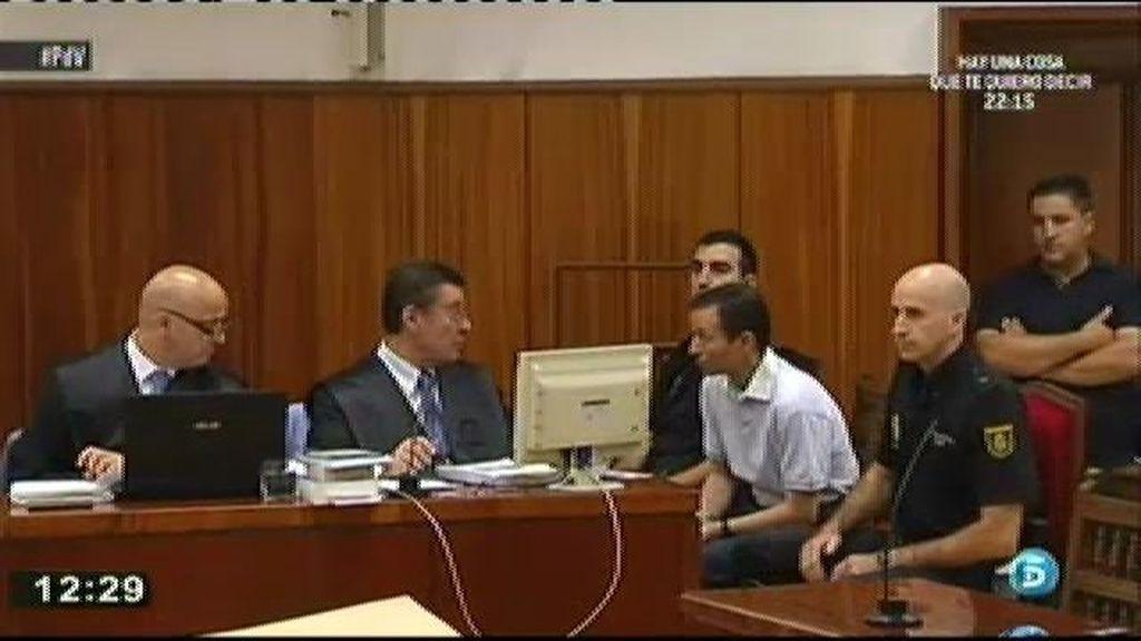 Al escuchar a Etxeberria, Bretón ha mirado al frente buscando a su abogado