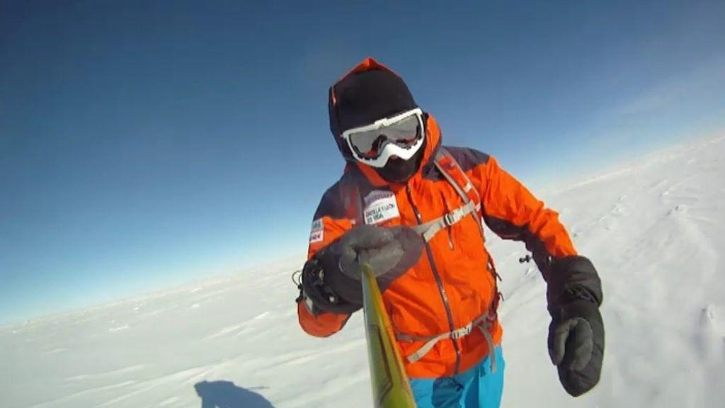 Jesús Calleja corre media maratón en el Polo Sur
