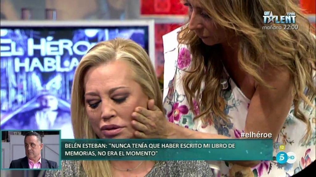 """El emotivo momento de Belén y María Patiño: """"Defraudé a María con mi libro"""""""