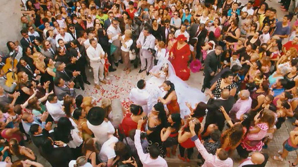 El novio va a por la novia
