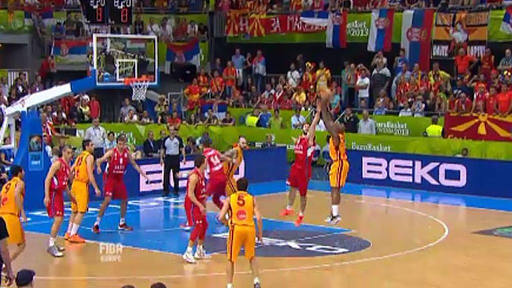 Macedonia le da una lección de humildad a Serbia