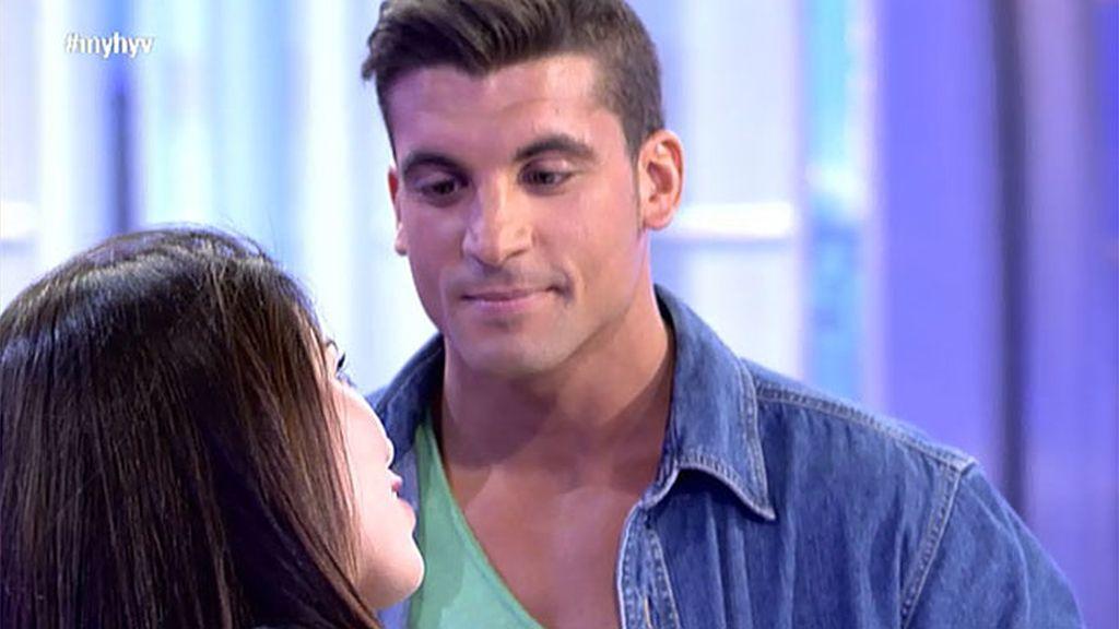 Borja quiere conquistar a Yasmina