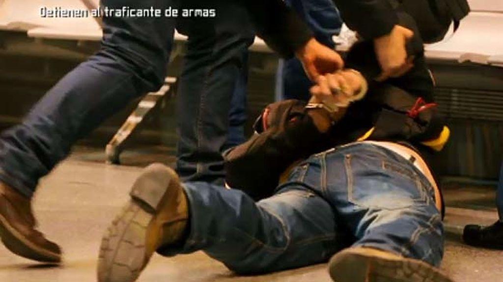 La policía detiene al traficante de armas