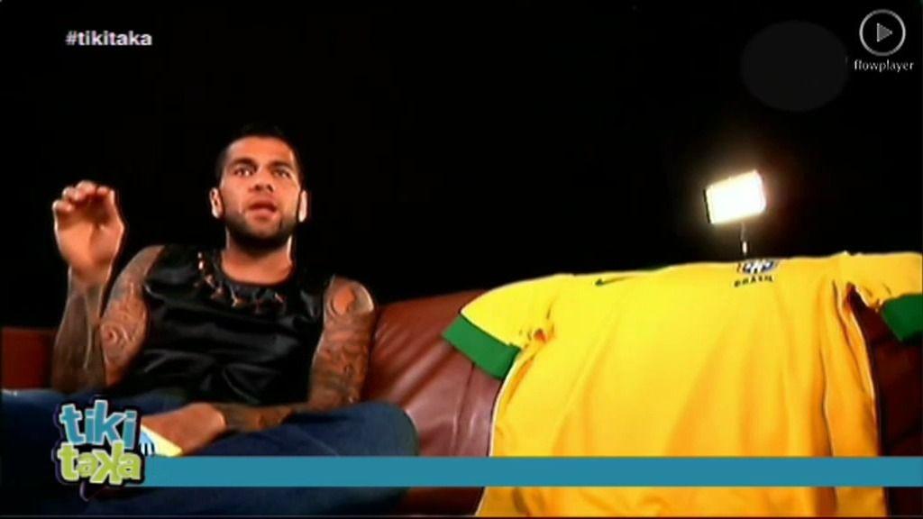 "Alves: ""Dios tocó a Neymar con una varita el día que nació"""
