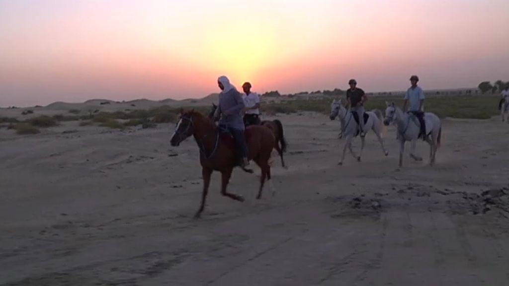 Los dubaitíes comparten lujo con tradición