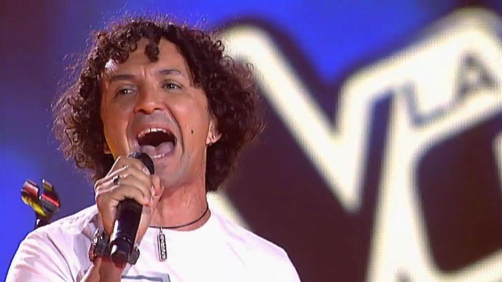 La actuación de Luciano: 'Have you ever seen the rain' de la Creedence
