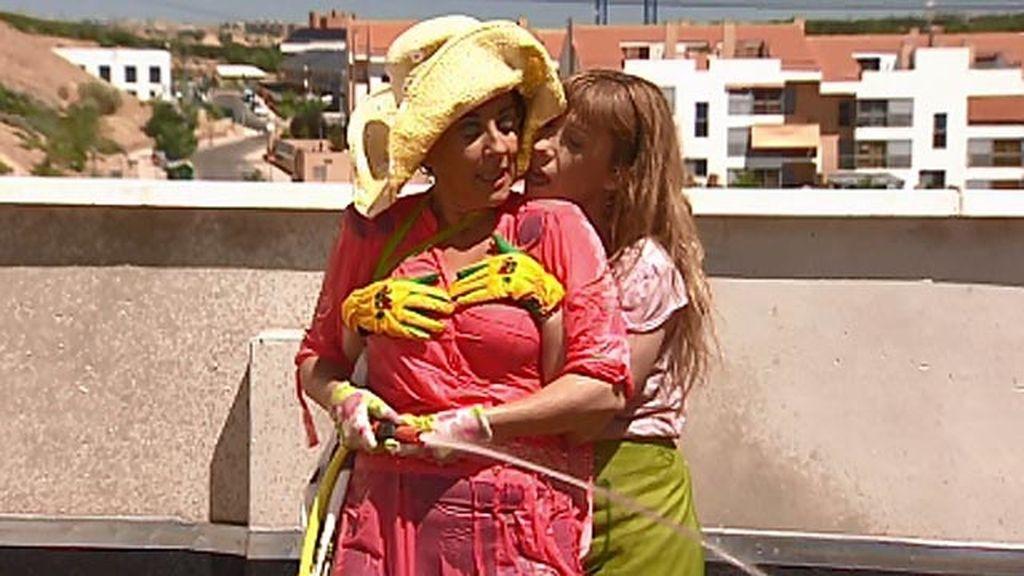 Araceli Y Berta Amigas Muy Intimas