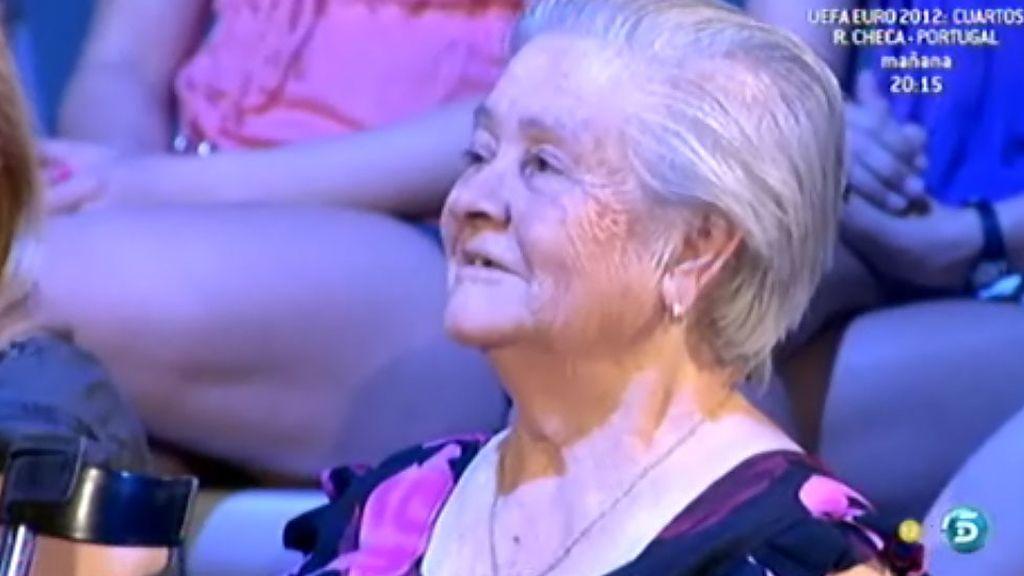 La abuela de Ari fomenta el sexo seguro