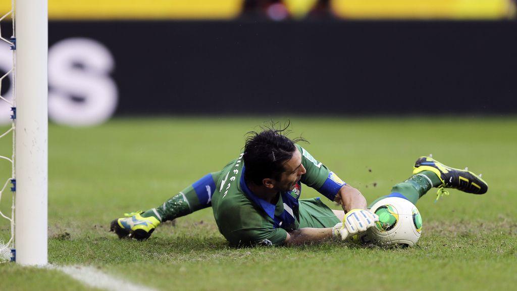 Penaltis: Uruguay 2-3 Italia